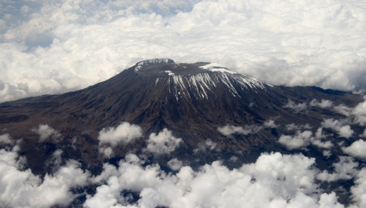 Mount_Kilimanjaro_Dec_2009_edit1